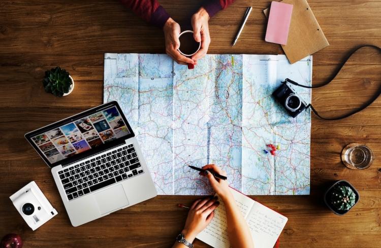 Afbeeldingsresultaat voor work traveling
